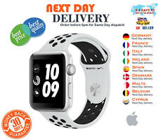 Apple Watch NIKE + série 3 42 mm Argent Case Pure Platinum/De Sport Noir GPS