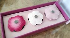New in Box Japan Ltd Ed Le Creuset cocotte Fleur Fridge Kitchen Magnet Set Of 3