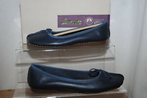 Clarks Artisan Ladies Flat Navy Blue Leather Freckle Ice Shoes Uk Size 5.5 D