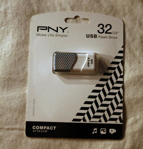 PNY 32 GB Flash Card