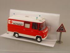 Mercedes L508  Feuerwehr Notarzt - Brekina 1:87 - 36902 #E