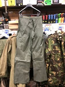 GENUINE FRENCH ARMY SURPLUS MVP WATERPROOF OVER-TROUSERS!SMALL ONLY 28-30 WAIST!