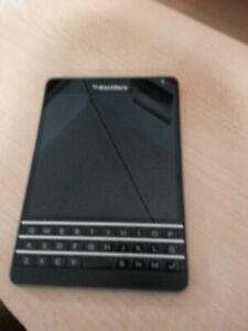 BlackBerry Passport - 32GB - BLACK ATT Smat LCD DIGITIZER AND KEYBOARD