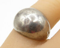SU 925 Sterling Silver - Vintage Minimal Domed Detail Band Ring Sz 7 - R3227