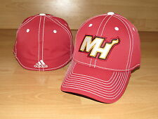 a1c017af681 MIAMI HEAT ADIDAS TEAM FLEX FITTED CAP HAT MEN S SIZE S M - RED