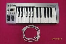 Acorn Masterkey 25 Usb Midi Keyboard With Gator Gf014 Case