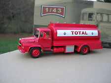 IXO 1/43 CAMION UNIC MZ 36 SAVERNE CITERNE PETROLIERE TOTAL 1965  !!!
