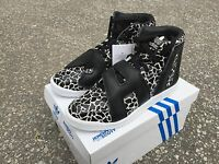 Adidas Originals JS Jeremy Scott Letters Giraffe Black bear wings Men B26035 New