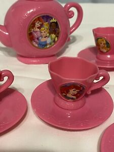 DISNEY PINK PRINCESS TEAPOT AND 6 SAUCER AND CUPS CHILDRENS