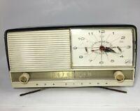 Vintage RCA Victor Model 8-C-8-DE Clock Radio Working *RARE BLACK SHELL