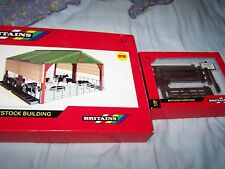 Britains farm Large Livestock Building 1:32 scale ref 42807 + fencing pack boxed