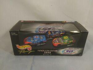 NIB Hot Wheels Racing Richard Petty Father's Day 1999 Series 2 NASCAR Andretti