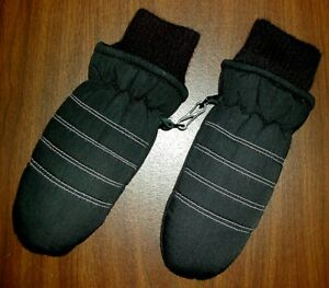 Boy's MITTENS Black Youth Size 3 to 6 EUC
