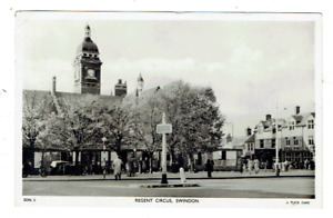 Wiltshire postcard Regent Circus Swindon by Tuck