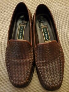 COLE HAAN ladies' brown woven leather loafers. Size 8.5B (Med)