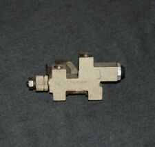 94-04 FORD MUSTANG BRAKE PROPORTIONING VALVE V6 GT COBRA 4 LINE 99 00 01 02 03