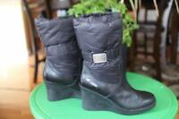 UGG CASSIDY 1943 NYLON LEATHER BOOTS SIZE 5