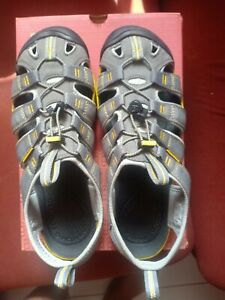 Keen Clearwater CNXSandalsGargoyle Waterproof Hiking Sandals Shoes UK8.5, US9.5