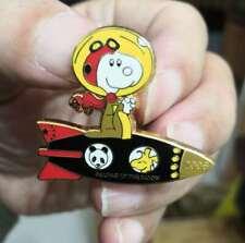 Snoopy Peanut astronaut  pin,2008 Beijing to the moon
