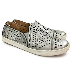 EARTH Womens Tangelo Silver Metallic Leather Cut Out Slip On Shoes Sz 7.5 M