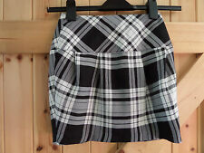 "Girls Black & White Tartan Skirt By Tammy 134cm Approx 6 - 8 Years W22"" L14"""