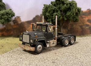 Mack R Model 1/64 Diecast Rusty Weathered Semi Truck Barn Find First Gear DCP
