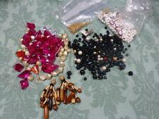 tres grand lot= des  perles et divers pour créations bijoux colliers