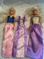 2 fashion dolls blonde. Three nice dresses. Fashion gowns. Princess style.