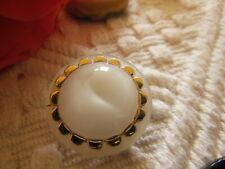 ancien boutons en verre blanc laiteux doré diamètre 2,2 cm G16C