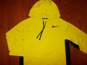 NEW NIKE THERMA-FIT YELLOW & BLACK HOODED SWEATSHIRT MENS SMALL