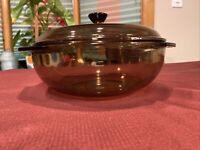 Vintage Pyrex Amber/Smoke Covered 2 Qt  Corning Casserole Dish 024 w LID