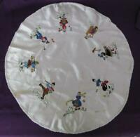 VINTAGE FOLK ART HAND EMBROIDERED ROUND TABLE COVER CLOTH