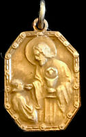 Vintage Catholic First Holy Communion Remembrance Gold Tone Religious Medal