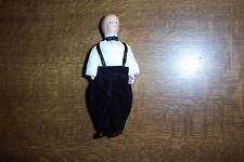schicker Junge mit Fliege, Miniatur 1:12 Puppenhaus