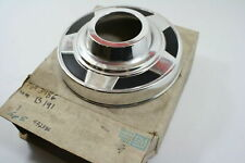 NEW NOS GENUINE GM GMC CHEVROLET FRONT CENTER HUB CAP 73-78 PICK UP K1 472586