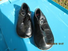 KID CONNECTION BLACK SANDLES SIZE 11M BOYS TODDLER T-STRAP STYLE PRE OWNED