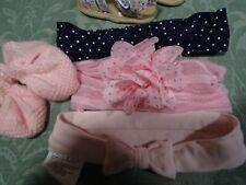 lot =5piéces bébé fillette    0/ 6mois  serre/tétes chaussons roses  et sandales