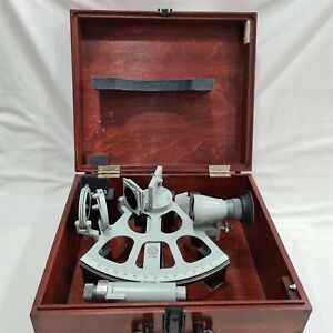 Freiberger Marine Sextant with Carry Case. SrNo: 910-118. Made in Germany