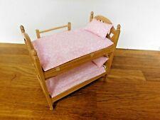 Maison de poupées 1//12th PAPILLON lit ensemble de literie 2 jette//Quilts /& 2 Oreillers