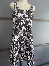 Slimming Dress Sz 8 Black White Floral A Line Boning Party Wedding Cotton Stretc