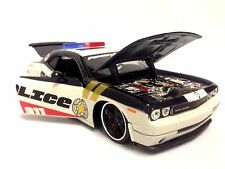 2008 Dodge Challenger SRT8 Rescue Force Edition1:24 Diecast Collection Maisto