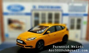 1:43 FORD Focus ST Orange {1 of 500}  Dealer Only Minichamps