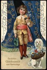 Kind vor blauem Vorhang und HUND mit Korb PUDEL ? - NAMENSTAG - col. AK 1907