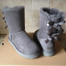 UGG SHORT BAILEY BOW II GREY GRAY SUEDE SHEEPSKIN BOOTS SIZE US 6 WOMENS