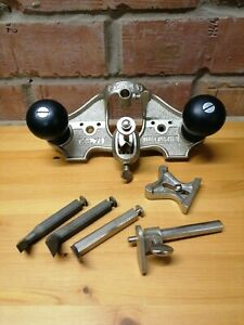 Stanley no 71 router plane. Complete and in immaculate condition