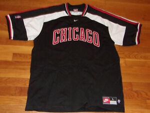 VINTAGE NIKE CHICAGO BULLS BASKETBALL SHORT SLEEVE SHIRT MENS LARGE EXCELLENT