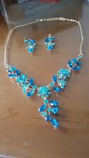 ORECCHINI + COLLANA DORATA PETALI ROSE BLU STRASS - Bohemia Flowers Necklaces