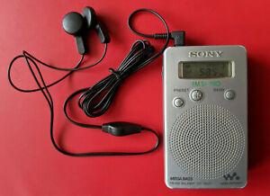TESTED Scarce SONY SRF-M807 FM AM Mega Bass miniature RADIO LCD Walkman JAPAN