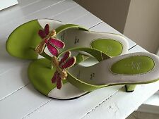 LifeStride Sequined Dragonfly Sandals Women's Sz 7.5 M Green/Ivory/Hot Pink