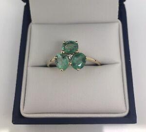 Gorgeous 9ct Gold, Emerald & Diamond Ring. Size U